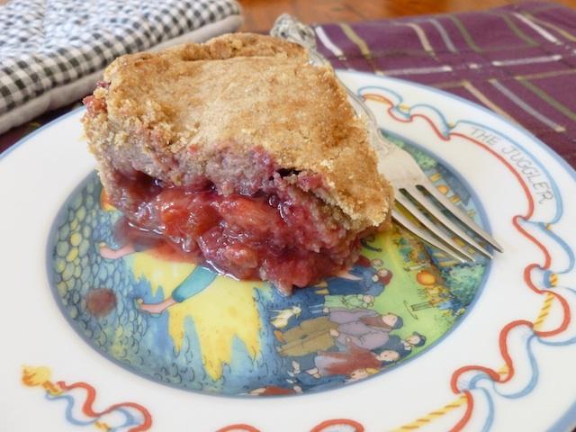 vegan plum pluot and strawberry pie