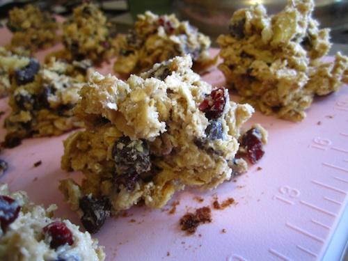 oatmeal cherry chocolate chip cookies